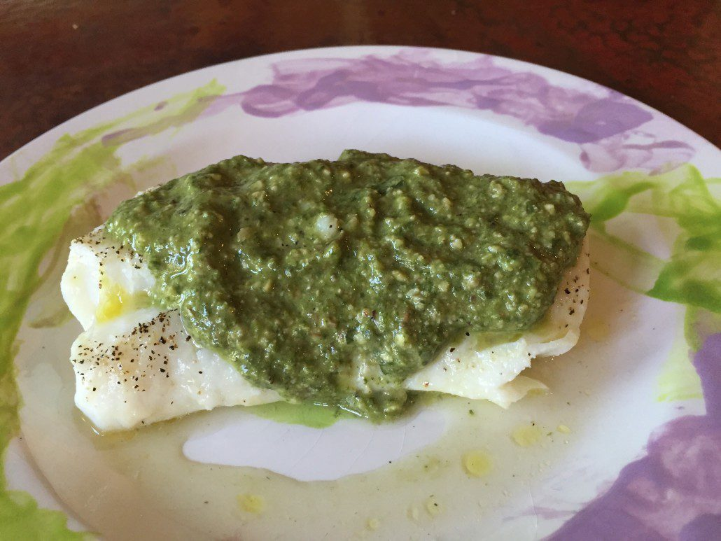 Fish fillets with pesto color my food for Pesto fish recipes